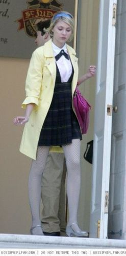 Jenny in season 1