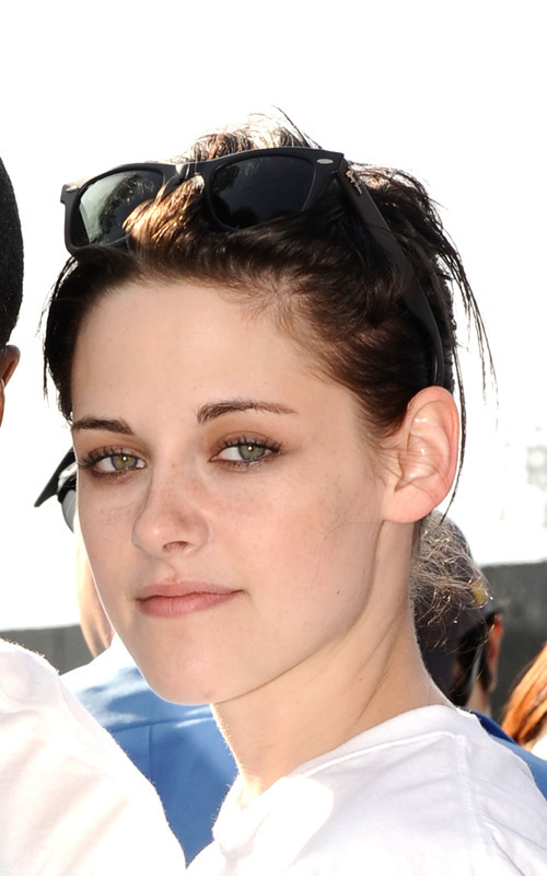 """Kristen Stewart Fights Diabetes with Sugar Ray(""""Walk to cure diabetes"""" event)"""