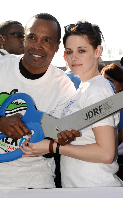 "Kristen Stewart Fights Diabetes with Sugar Ray(""Walk to cure diabetes"" event)"