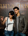 Kristen Stewart & Taylor Lautner in Mexico - twilight-series photo