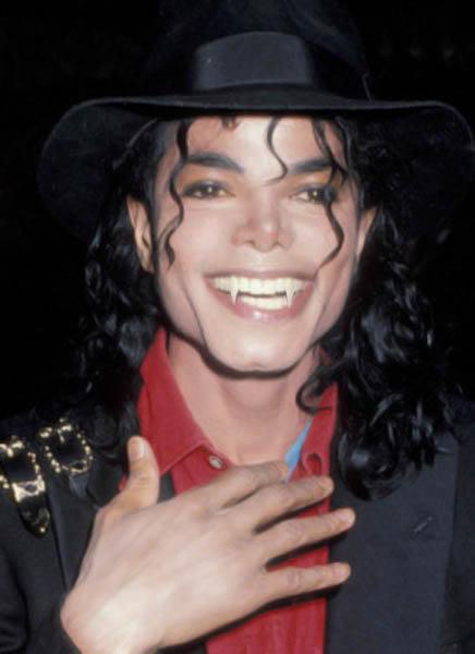 Michael <3 cute vampire :P