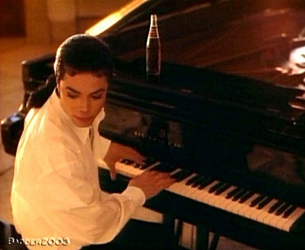 Mike The Pianist