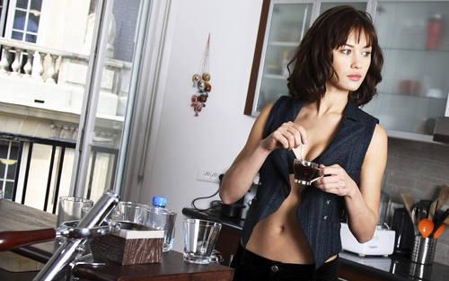 Olga Kurylenko Widescreen karatasi la kupamba ukuta