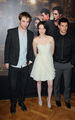 Paris Photocall 1and Taylor 0/11/09 with Rob, Kristen  - twilight-series photo
