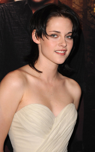 Paris Photocall 10/11/09 with Rob, Kristen and Taylor