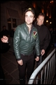Pictures of Robert Pattinson last night from Paris 09/11/09  - twilight-series photo