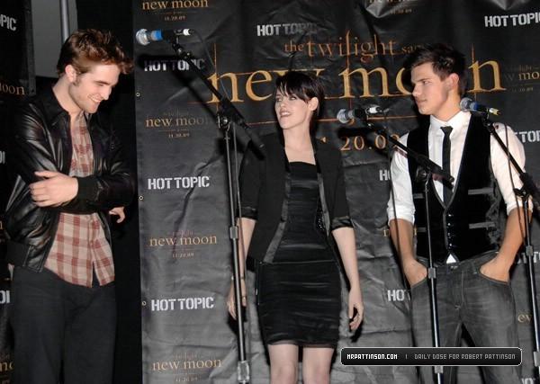 Rob, Kris and taylor at Hot Topic