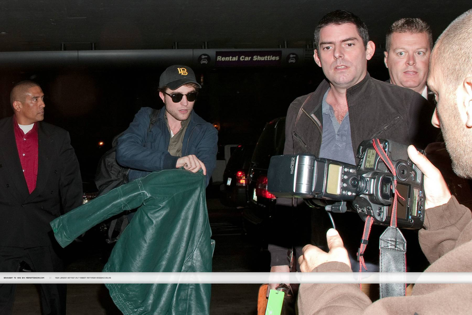 Rob, Kristen and Taylor in Paris NEW!!!!
