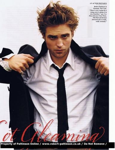 Robert Pattinson: Vanity Fair December Issue Scans