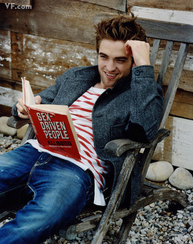 Robert Pattinson's VF Photoshoot!