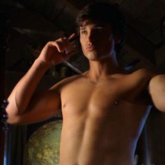 Tom Welling wallpaper containing skin entitled Tom Welling *SEXY!*
