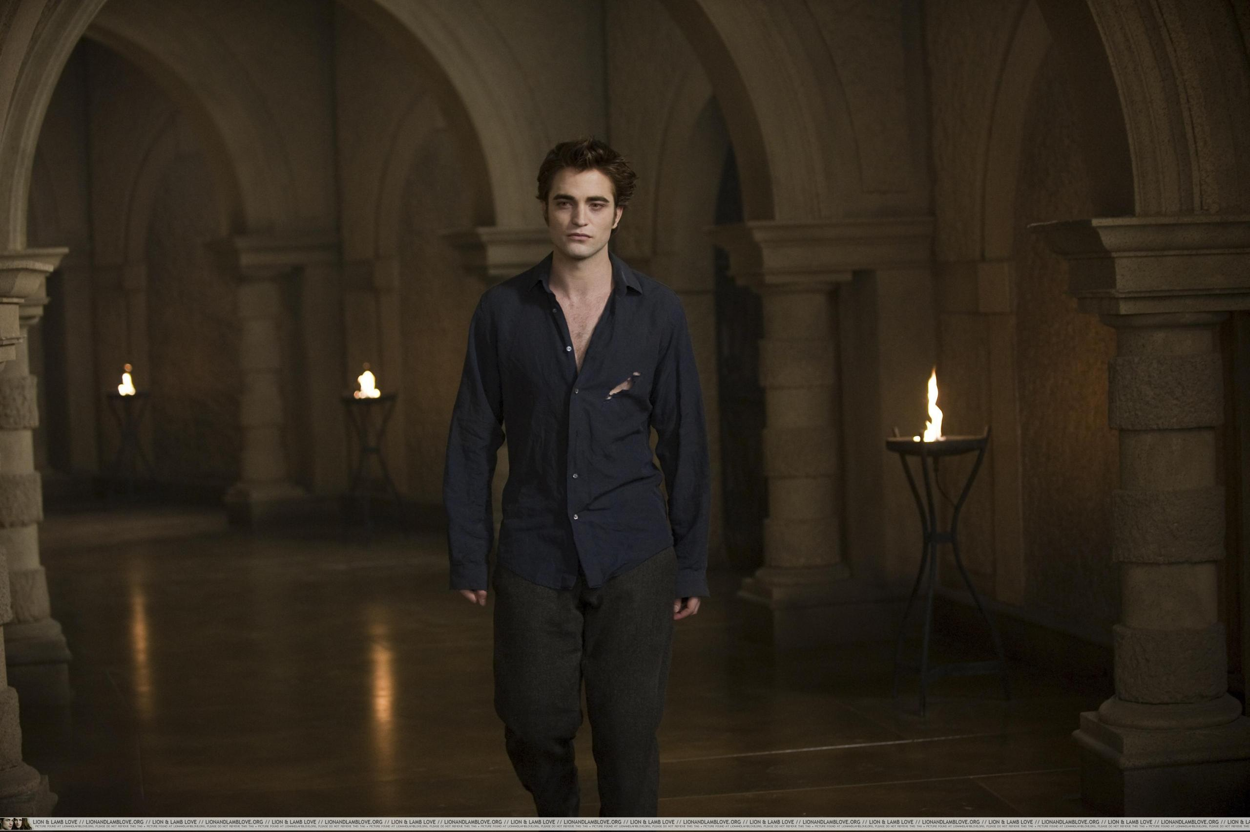 UHQ New Moon Stills