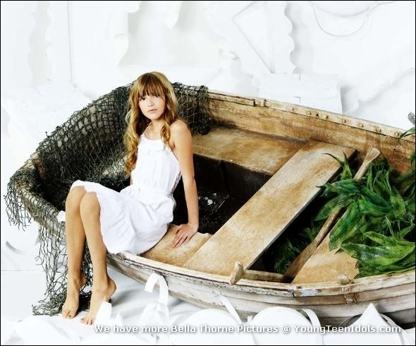 White boat girl - bella-thorne photo
