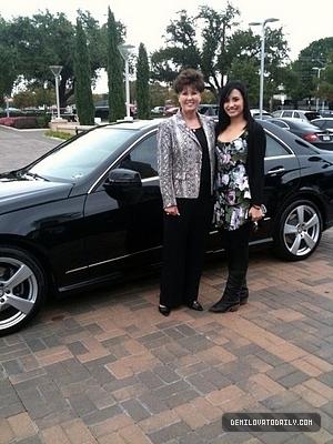 demi Buying her Mercedes!