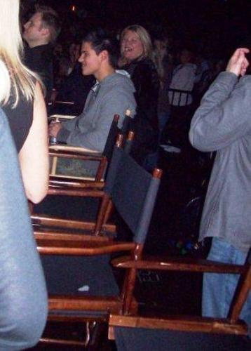 Taylor Lautner and Taylor Swift wallpaper entitled taylor lautner at taylor swift concert