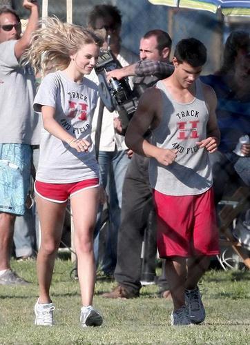 Taylor Lautner and Taylor быстрый, стремительный, свифт Обои titled taylor squared