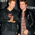 'New Moon' Stars Invade Hot Topic In Hollywood - twilight-series photo