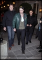 Pictures of Robert Pattinson from Paris 09/11/09 - twilight-series photo