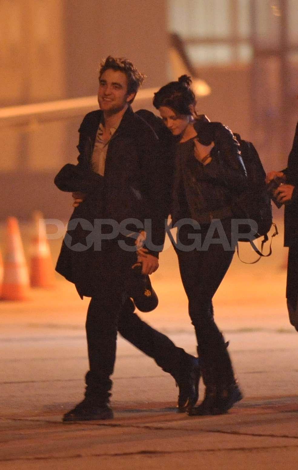 Robert Pattinson and Kristen Stewart Holding Hands in Paris