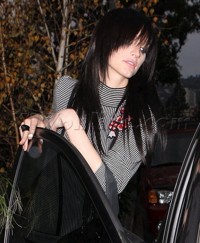 Ashlee in Beverly Hills