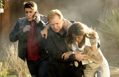 CSI: MIAMI-8.10-Count Me Out-Promotional фото