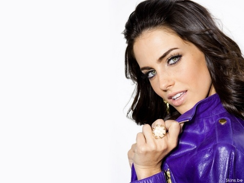 Jessica Lowndes Обои probably with a portrait entitled Jessica Lowndes