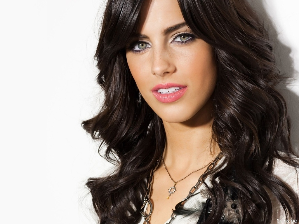 Jessica Lowndes - Photos
