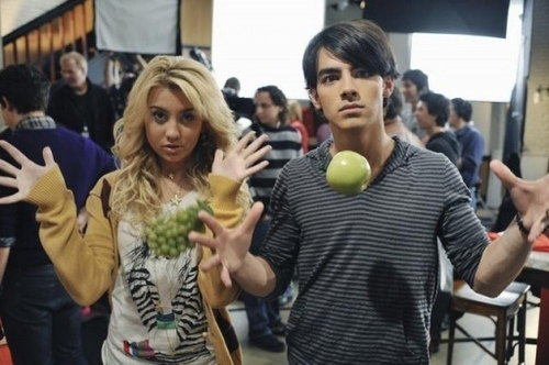 Joe & Stella - behind the scenes of JONAS