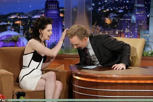 Kristen on Conan live onyesha