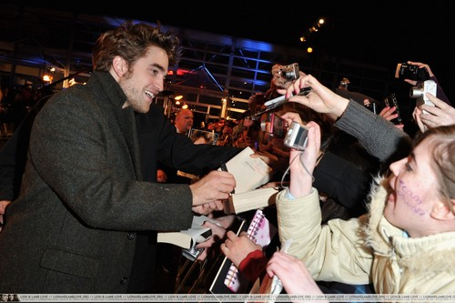 伦敦 Red Carpet -Robsten and Taylor