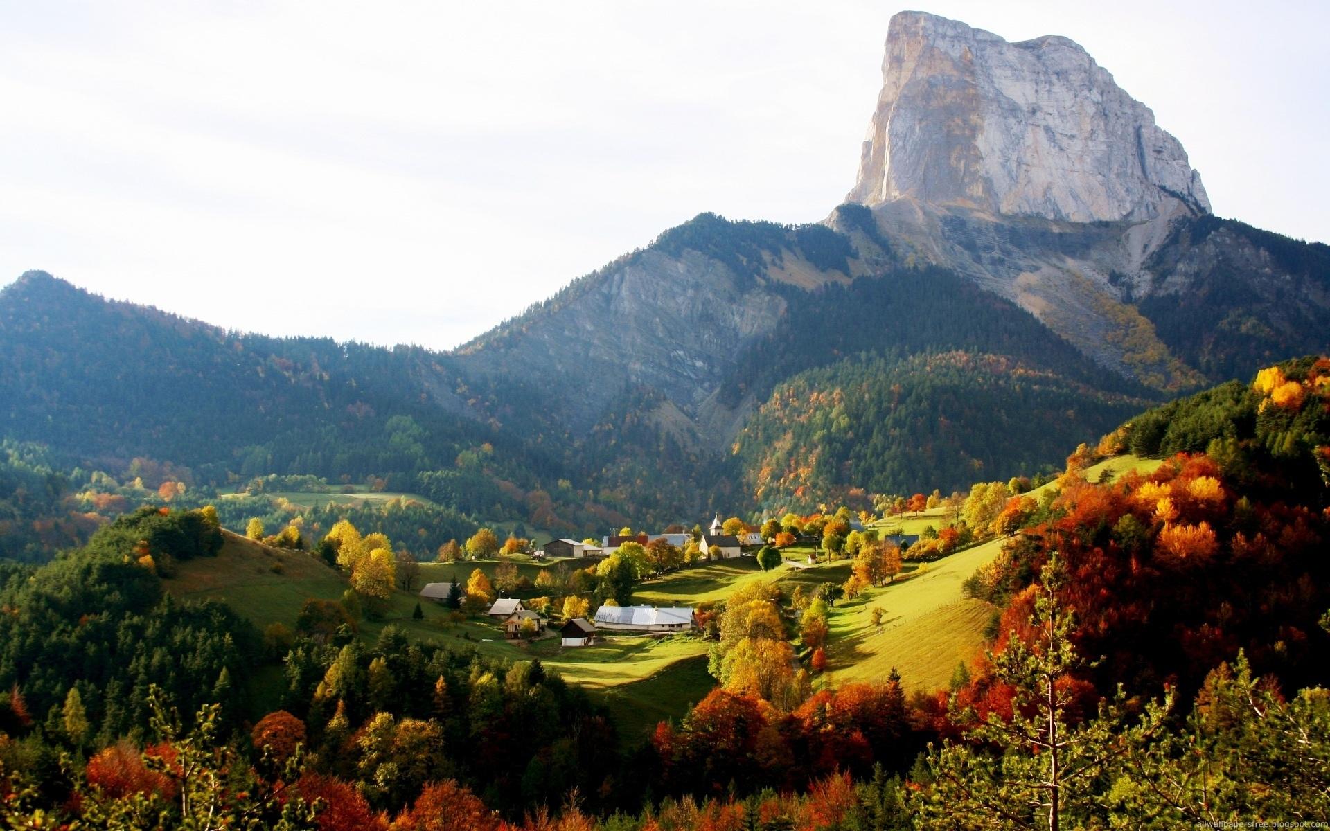 Beautiful Autumn Mountain Scene