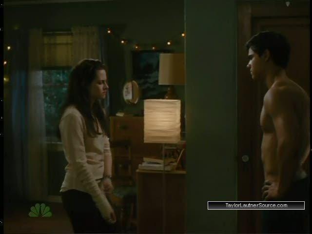 New Moon Bella S Room Scene Taylor Lautner Image