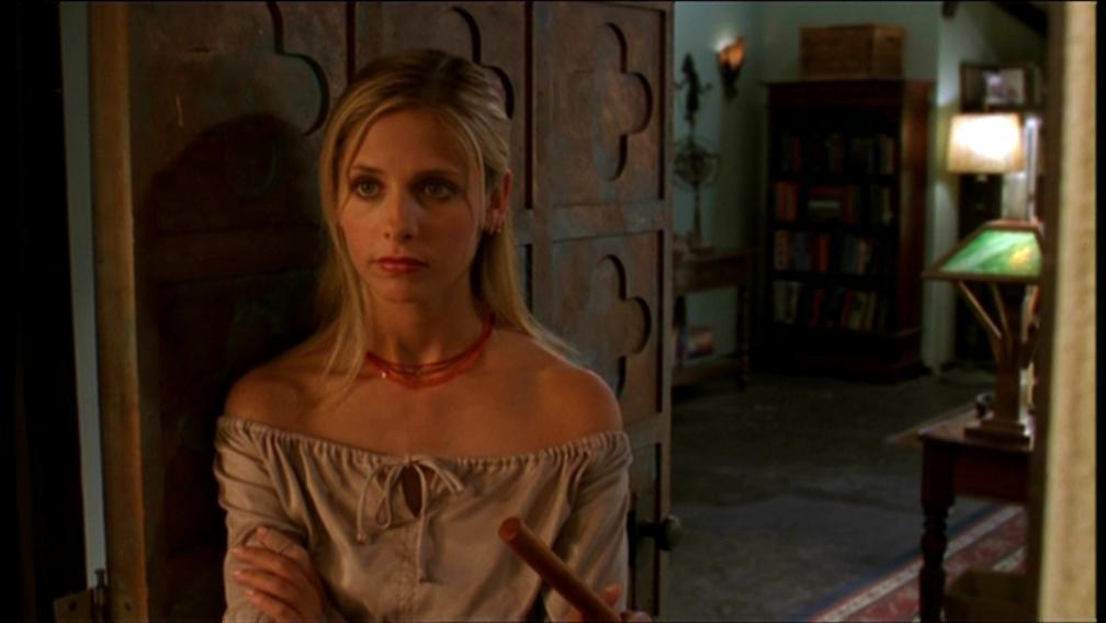 an introduction to the analysis of buffy summers Analysis of buffy the vampire slayer buffy the vampire slayer season 10, volume 18 picks up after a new villain in this volume of buffy, buffy summers.