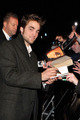 Rob & Kristen Red Carpet - twilight-series photo