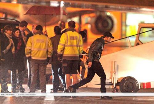 Rob, Kristen and Taylor leaving London last night