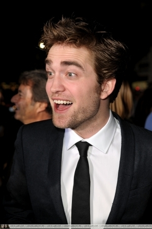 http://images2.fanpop.com/image/photos/9000000/Rob-twilight-series-9088076-300-450.jpg