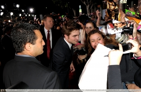 http://images2.fanpop.com/image/photos/9000000/Rob-twilight-series-9088412-450-295.jpg