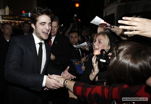 http://images2.fanpop.com/image/photos/9000000/Rob-twilight-series-9088557-512-353.jpg