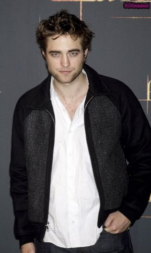 Robert Pattinson Graces Madrid