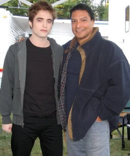 Robert Pattinson and Gil Birmingham Pic from Eclipse Set