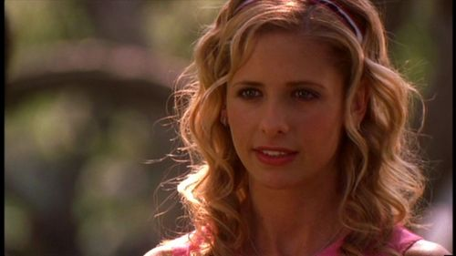 Buffy Summers wallpaper containing a portrait entitled Superstar