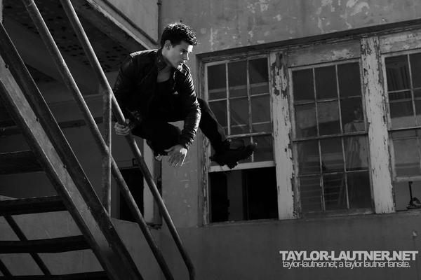 Taylor Lautner Outtakes from Men's Health