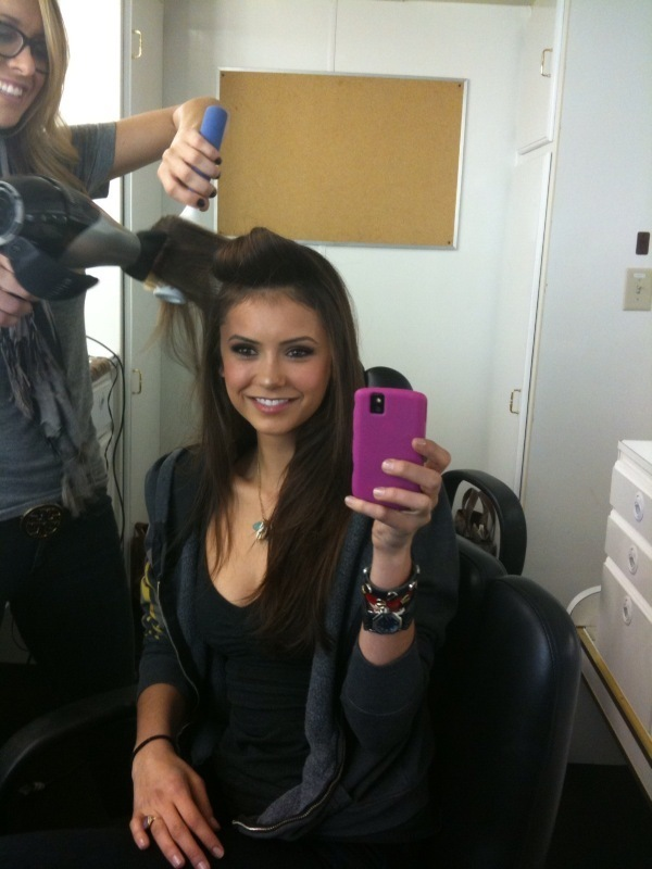 http://images2.fanpop.com/image/photos/9000000/lovely-Nina-the-vampire-diaries-tv-show-9082500-600-800.jpg
