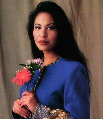 Selena Quintanilla-Pérez wallpaper probably containing a bouquet entitled sel and mj