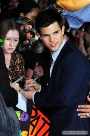 """The Twilight Saga New Moon"" – Los Angeles Premiere"