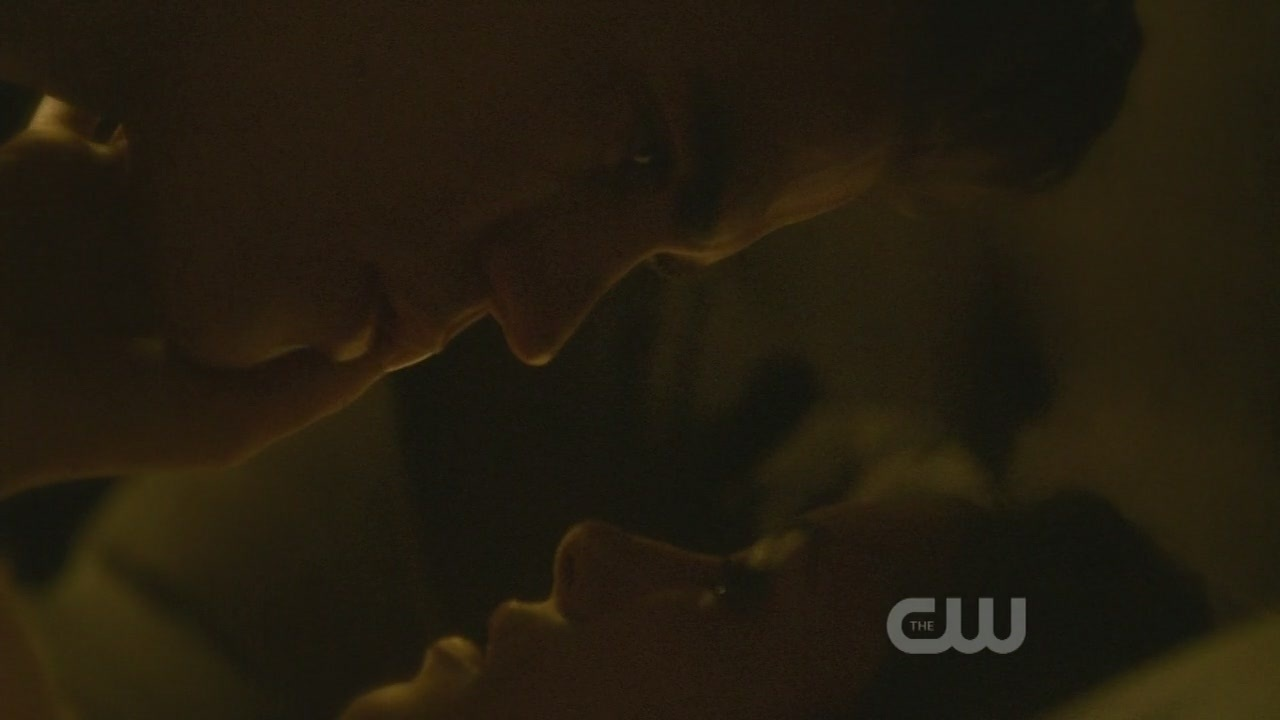 http://images2.fanpop.com/image/photos/9100000/1x10-The-Turning-Point-the-vampire-diaries-tv-show-9123148-1280-720.jpg