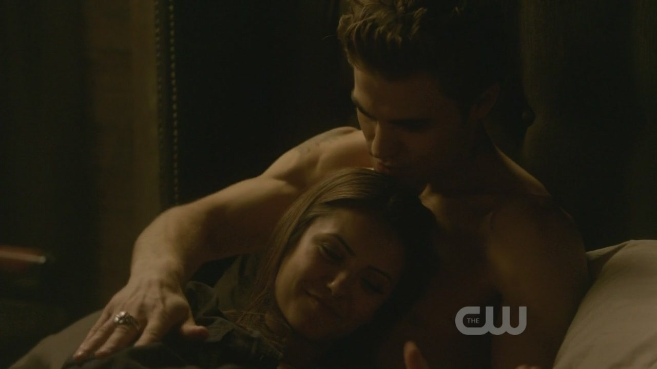 http://images2.fanpop.com/image/photos/9100000/1x10-The-Turning-Point-the-vampire-diaries-tv-show-9123461-1280-720.jpg