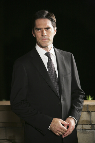 SSA Aaron Hotchner wallpaper containing a business suit, a suit, and a double breasted suit entitled Aaron Hotchner 5x10
