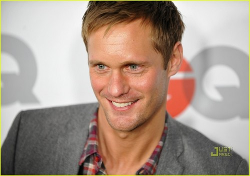 Alexander Skarsgård fondo de pantalla probably containing a portrait called Alexander Skarsgård