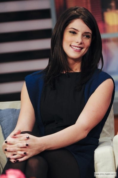 "Ashley greene on ""Good Day, New york"" tunjuk"